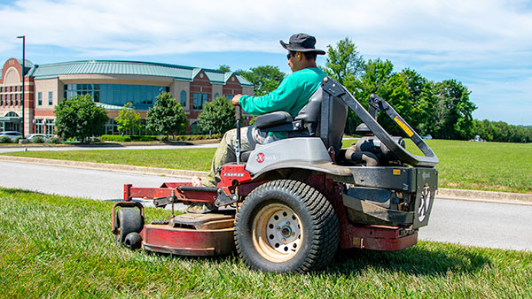 When it comes to proper grounds maintenance, Aphix totally understands that your property is a big investment.